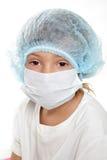 Het jonge kind kleedde zich als arts of onderzoeker Stock Afbeeldingen