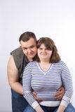 Het jonge liefdepaar glimlachen Royalty-vrije Stock Afbeeldingen