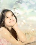 Het jonge meisje dromen stock afbeeldingen