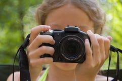 Het jonge meisje fotografeert somebody Royalty-vrije Stock Foto