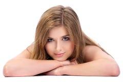 Het jonge meisje isoalted op witte achtergrond royalty-vrije stock afbeelding