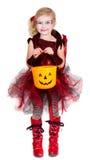 Het jonge meisje kleedde zich in het kostuum van Halloween Stock Fotografie