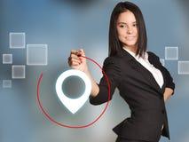 Het jonge meisje trekt rood pencirkel omringd teken Royalty-vrije Stock Foto's