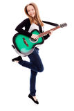 Mooi meisje met gitaar op witte achtergrond royalty-vrije stock afbeelding