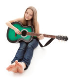 Mooi meisje met gitaar op witte achtergrond Royalty-vrije Stock Afbeeldingen