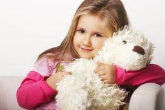 Het jonge meisje van Nice in roze Stock Foto's