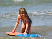 Het jonge meisje zwemmen   Royalty-vrije Stock Foto