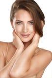 Het jonge mooie model dichte omhoog stellen voor perfecte huid Royalty-vrije Stock Fotografie