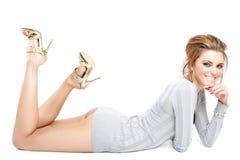 Het jonge mooie model stellen Royalty-vrije Stock Foto's