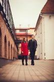 Het jonge mooie paar lopen Royalty-vrije Stock Fotografie