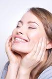 Het jonge mooie vrouw glimlachen Royalty-vrije Stock Fotografie