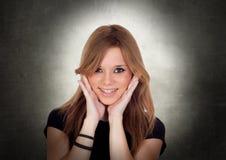 Het jonge Mooie Vrouw Glimlachen Royalty-vrije Stock Afbeeldingen