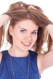 Het jonge mooie vrouwelijke stellen voor camera Stock Afbeelding