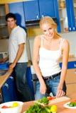 Het jonge paar koken Royalty-vrije Stock Foto