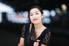 Het jonge portret van de vrouwenwinter royalty-vrije stock afbeeldingen