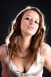Het jonge sexy portret van de vrouwenaantrekkingskracht Stock Foto's