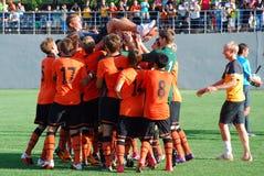 Het jonge team Shakhtar heft zijn bus op Stock Afbeelding