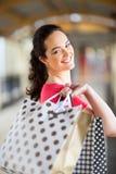 Het jonge vrouw winkelen Royalty-vrije Stock Fotografie