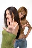 Het jonge vrouwen gesturing Stock Afbeelding