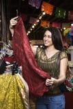 Het jonge Winkelen van de Vrouw Stock Foto's