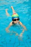 Het jonge zwemmen Royalty-vrije Stock Foto
