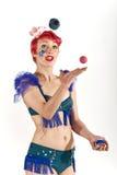 Het jongleren van met ballen in de lucht Royalty-vrije Stock Afbeelding