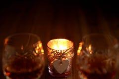 Het Kaarslichtdranken van de valentijnskaartendag Stock Foto