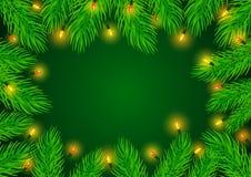 Het kader van de de achtergrond wintergrens malplaatje met de groene takken van pijnboomtakjes Stock Fotografie