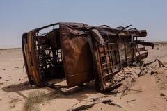 Het kader van de gebrande buskant van de weg Makkah Al Mukarramah Road, Saudi-Arabië stock fotografie