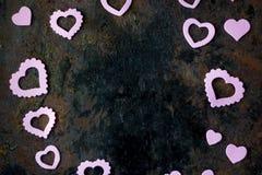 Het kader van de valentijnskaartendag - raad van purpere harten Royalty-vrije Stock Fotografie