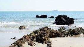 Het kalme tropische strand royalty-vrije stock fotografie