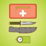 Het kamperen apparatuur Eerste hulpuitrusting, mes en dekking, kompas Royalty-vrije Stock Afbeeldingen
