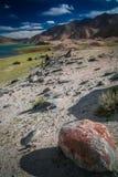 Het kamperen bij het meer van Kara Kul royalty-vrije stock foto's