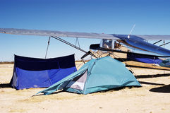 Het kamperen bij luchthaven 2 Stock Foto's