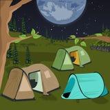 Het kamperen bij nacht met tenten onder de nachthemel met heel wat sterren en grote maan royalty-vrije illustratie