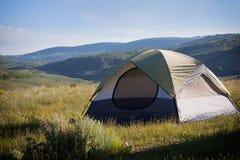 Het kamperen in de bergen Royalty-vrije Stock Foto's