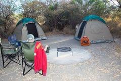 Het kamperen in de struik Stock Afbeeldingen