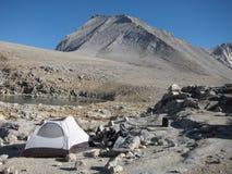 Het kamperen in de wildernis Royalty-vrije Stock Afbeelding