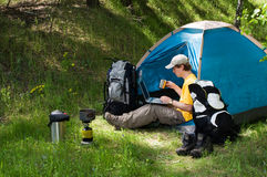 Het kamperen en Technologie royalty-vrije stock foto's