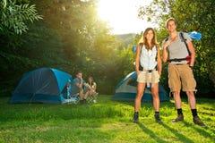 Het kamperen en Wandeling Stock Fotografie