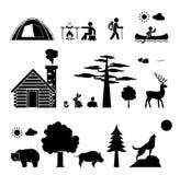 Het kamperen en wildernis stock afbeeldingen