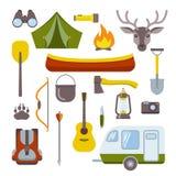 Het kamperen geplaatste pictogrammen royalty-vrije illustratie