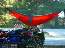 Het kamperen in Hangmatten bij Grote Sur-Kustlijn Royalty-vrije Stock Foto