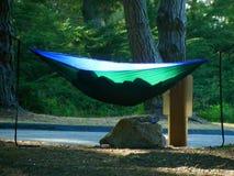Het kamperen in Hangmatten bij Grote Sur-Kustlijn Stock Fotografie