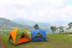 Het kamperen op berg Royalty-vrije Stock Afbeelding