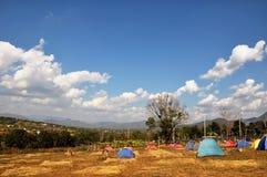 Het kamperen tent Stock Afbeeldingen