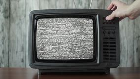 Het kanaal die uitstekende TV inschakelen, sluit omhoog stock video