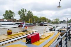 Het kanaal van Buenos aires, boten Stock Foto's