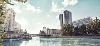 Het Kanaal van Donau van Wenen - Oostenrijk stock afbeeldingen