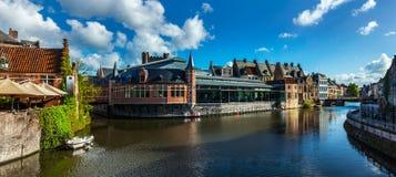Het kanaal van Gent. Gent, België stock afbeelding